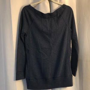 Abercrombie & Fitch Tops - Abercrombie & Fitch sweatshirt